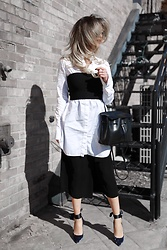 Lina Dinh - Aritzia Tube Top, Chloe Carlina, Mansur Gavriel Lady Bag - Black, white and navy velvet