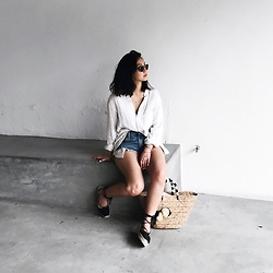 Tiffany Wang - Free People Shirt, One Teaspoon Shorts, Soludos Sandals, Kayu Tote, Ray Ban Sunglasses - MINIMALIST CORNERS