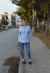 Mary Kapsi - Rosegal Shirt, Zara Jeans - Blue shirt on blue jeans