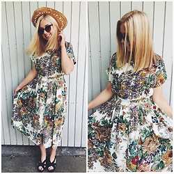 Matylda - H&M Midi Floral Dress - Straw hat & vintage look