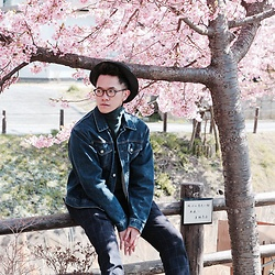 Effendy Sigit - Uniqlo Turtle Neck, Uniqlo Denim Jacket, Uniqlo Pants - Early Spring