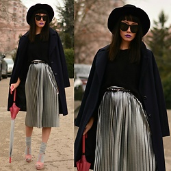 Paris Sue - Zerouv Sunnies, Hunter Umbrella, H&M Socks, Topshop Skirt - We're running out of time chasing the lies