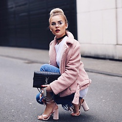 Romina M. - Ysl Clutch, New Look Ripped Jeans, New Look Velvet Heels - Velvet Pink