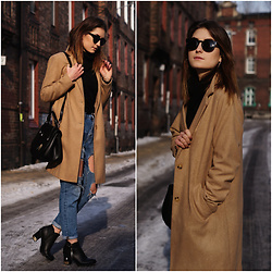 PASHIOON - New Look Camel Coat, Stradivarius Ripped Jeans, Zara Bag - Camel coat & jeans