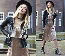 Eva Velt - Zara Jacket, H&M Hat, Warehouse Dress, Lamoda Choker, Asos Boots - Pastel Velvet