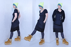 Suzi West - Ebay Beanie, Sugarfly Jacket, Volcom Dress, Grandmother's Closet Vintage Slip, Xhilaration Constellation Leggings, Jeffrey Campbell Shoes Platform Work Boots - 29 January 2017