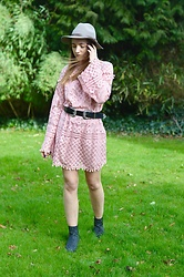 Sophie C - Sheinside Pink Lace Dress, Sheinside Western Buckle Belt, Next Grey Leopard Print Boots, H&M Grey Hat - The Colour Of The Moment & The Dress Of The Season