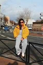 Rosa Pel - New Look Yellow Coat, Nike Air Force Sneakers - The yellow coat