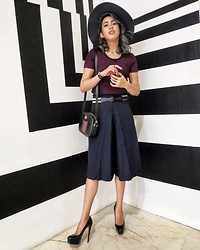 Cindy Karmoko - Uniqlo Pants, Uniqlo Striped Top, Gucci Bag, Louboutin Black Pump - Different Stripes