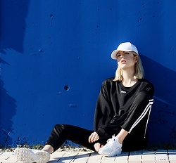 Ebba Zingmark - Junkyard Top And Pants, Nike Sneakers, Ebba Zingmark Blog - Cobolt