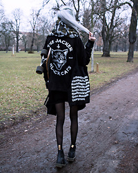 Kimi Peri - Jacker Black Cats Jacket, Dr. Martens Vegan Boots, Tights, Asos Printed Scarf, Underground Tote Bag, H&M Hooded Assassine Cardigan, The Rogue + Wolf Ring Of Submission - Black Cats