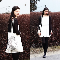Nora Aradi - H&M Shirt, H&M Cardigan, Pull & Bear Skirt, Zara Shoes, Diy From My Friend Tote Bag - To the moon and back