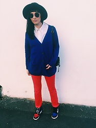 Janka Topanka - Nike Sneakers, United Colors Of Benetton Trousers, H&M Sweater, H&M Hat - Vintage + Top3