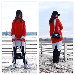 Luana Codreanu - H&M Oversized Sweater, Adidas Superstar, Zara Training Pants, Lido Venezia Handbag - Contrasts