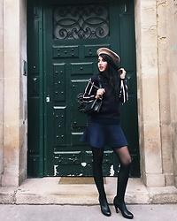 Narjisse Ammor - Joseph Pull, Chanel Bag, Zara Beret, Sandro Skirt, Wolford Tights, United Nude Boots - Parisienne in Paris