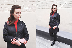 Stu Allotropia - Fred Perry Black Bomber Jacket, Fred Perry Red Pique Polo Shirt, Stradivarius Black A Line Skirt, Dr. Martens Boots 1460 - Fred Perry SS 2017 Look