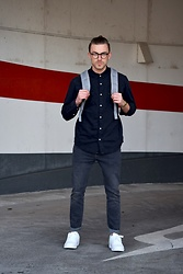 Lucca B. - Nike Shoes, Weekday Jeans, Pull & Bear Shirt, Herschel Backpack, Casio Watch, Ace&Tate Glasses - College