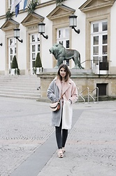 Ariane Glover - Topshop Fluffy Pastel Coat, H&M Bow Mules, Topshop Black Jeans, Chloé Chloe Georgia Bag - Colorful Coat