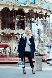 Joicy Muniz - H&M Coat, Sweater, Tommy Hilfiger Bag, Sneaky Fox Socks - Paris is always a good idea