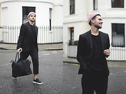 Gerard Molón - Black Eye Rags Trousers, Herschel Bag, Asos Beanie Hat, Zara Blazer - RELAXED SUITING