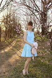 Bleu Avenue - Lc Lauren Conrad Dress, Red Valentino Beige Heels, Nila Anthony From The Round Up Purse, Bluesunemporium Cameo Necklace - Peach Trees in Bloom