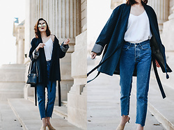 Andreea Birsan - Kimono, White Cami, Step Hem Two Tone Mom Jeans, Beige Suede Mules, Mini Piper S Bag, Mirrored Sunglasses - The tales of the modern kimono II