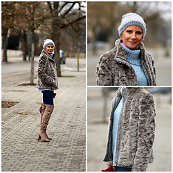 Małgorzata Miłosz - Mohito Grey Faux Fur, Kappahl Baby Blue Sweater, Deezee Over The Knee Boots - Winter pastels