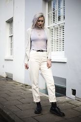 Sapphire Needham - Brandy Melville Usa Glitter Top, Primark Bralette, Bdg White Mom Jeans, Urban Outfitters Tie Up Shirt - Heaven