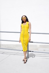 Margaret - Boohoo Midi Dress - Yellow Mellow