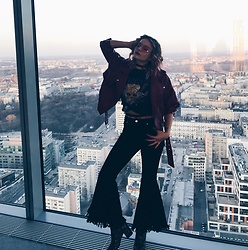 Dominique Malinowska - Missguided Flares, Schuh Glitter Boots, Bershka Metallica Top, Bershka Faux Leather Jacket - 80s BABE