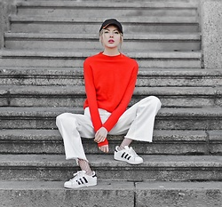 Ebba Zingmark - Halluber Top, Monki Pants, Adidas Sneakers, Ebba Zingmark Blog - RRRED