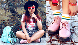 Elya Lorde - Nike Neon T Shirt, Pink Pastel Shoes, Stripe Socks, Layers Bracelet, Mint Leather Backpack, Crimson Glasses - Pink Day