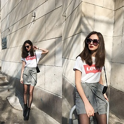 Daria Moysa - Levi's® T Shirt, Gamiss Skirt, Zaful Sunglasses - Spring feelings