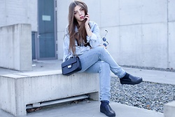 Krystyna Zimnicka - Black Bag, Black Shoes, Denim Jacket - 18/03/2017