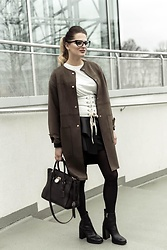 Marina Marse - Zara T Shirt, Zara Trench Coat, Zara Leather Skirt, Michael Kors Bag, Zara Heels - Back to 18 century for a little =)