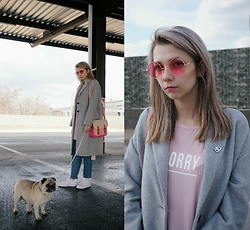Eliza S. - Nike White Sneakers, Stradivarius Grey Coat, Bershka Bag, Bershka Long T Shirt - Pinkgirl