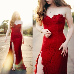 The Indie Girl Fleming - Fame And Partners Twilight Dress - CRIMSON SUN