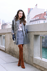 Veronika Lipar - Stuart Weitzman Suede Over The Knee Boots, Storets Blue Tweed Mini Skirt, Red Valentino Pink Ruffled Silk Blouse - First Spring Weekend in Blue, Brown, Pink and Tweed