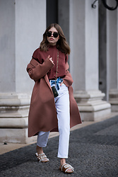 Swantje Sömmer | OffwhiteSwan - Longchamp Slipper, Cos Shirt - Wool Coat, Mom Jeans & Longchamp Slipper