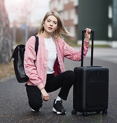 Ebba Zingmark - What Would Ernst Do? T Shirt, Junkyard Jacket, Horizn Studios Cabin Bag, Nike Sneakers, Sandqvist Backpack, Ebba Zingmark Blog - What would Ernst do?