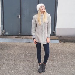 Jessica N. - C&A Sweater, Asos Boots - Grey sweater