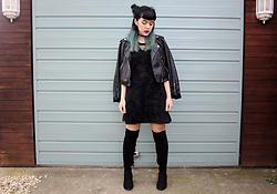 Jessica Gutteridge - Iron Fist Clothing Cobweb Sweetheart Dress, H&M Knee High Boots - Gothin' Hell feat Kates Clothing