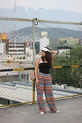 Judith Loyola - Forever 21 Pants, Adidas Sneakers, Nike Hat - Sporty