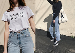 Katie Bauer - Levi's® Jeans, Vans Sneakers, Scotch & Soda Sweatshirt, Wildfang Tshirt - Come as you are