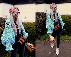 Joanna L - The Rusty Wool Hand Made Knitted Jumper, Parfois Bag - Hello Spring! / Baby blue hand made jumper