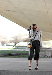 Bárbara Marques - Primark Sweater, Suiteblanco Culottes, Lovelywholesale Shoes, Parfois Bag, Gucci Sunglasses - Today is the day