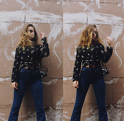 Isabella Wight - Thrifted Top, Supre Jeans - TEENAGE FEVER