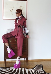 The wardrobe of Ms. B - Gucci Pink Heels, Vivienne Westwood Bag, Asos Striped Suit - New post
