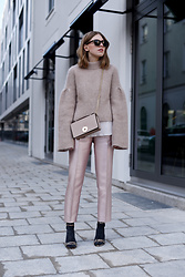 Swantje Sömmer | OffwhiteSwan - H&M Knit, Tom Ford Shades - Flared Knit, Metallic Pants & Camelia Roma Bag