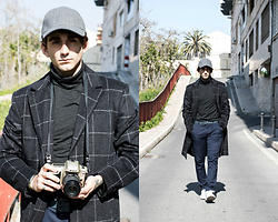 Jose Manuel Hernández - The New Look Cap, Zara Turtleneck, Pull & Bear Basic Belt, Zara Pants, Lefties Basic Sneakers, Bershka Coat - THE NEW SHERLOCK